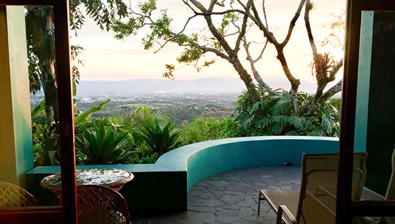 Private Villas with large balcony overlooking the San Jose valley