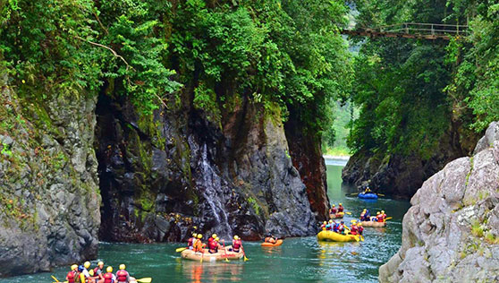 River rafting in the Costa Rica rivers