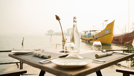 Waterfront restaurant Fortkochi Xandari harbour