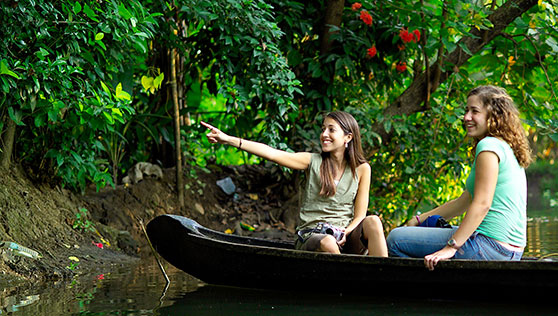 Canoe ride and backwater activities by Xandari houseboats