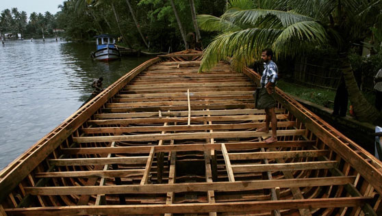 construction of the xandari house boat