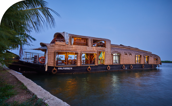 Xandari Riverscapes Houseboat, Alleppey